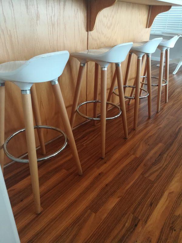 4 modern counter height bar stools