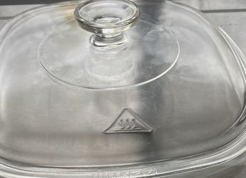 Pyrex glass lid that fits over corning Ware dish for Sale in Paramus,  NJ