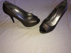 Guess Bronze Leather Open Toe Size 8.5 for Sale in Delray Beach, FL