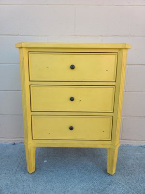 Side table night stand end table for Sale in Huntington Beach, CA