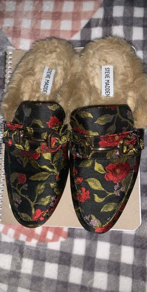 Steven madden flip flops for Sale in Union City, NJ