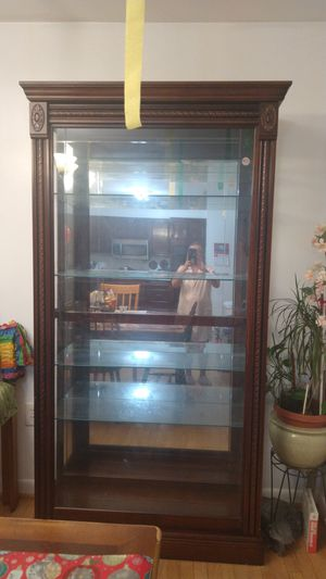 China cabinet for Sale in Fort Washington, MD