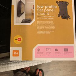 Omnilife Low profile Flat Panel Tv mount for Sale in Austin,  TX