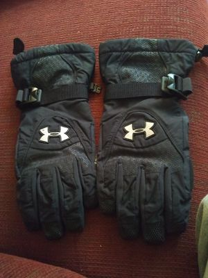 Under Armour Gloves for Sale in Knoxville, TN