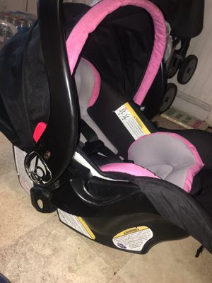 Baby trend pink and grey car seat with base for Sale in Gibsonville, NC