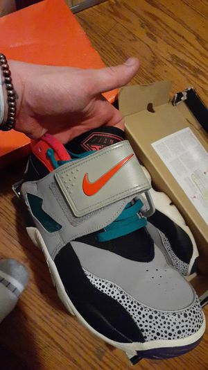 VERY RARE SOUTH BEACH DEON SANDERS NIKE SIZE 10 NEED GONE FAST for Sale in Concord, CA