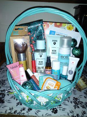 Bath & body gift basket for Sale in Penndel, PA
