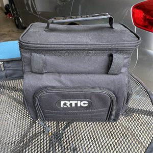 12 can Soft Cooler for Sale in Turlock, CA