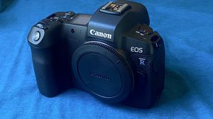 CANON EOS R. Like new for Sale in Orange, CA