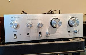 Nice Kenwood KA-305 integrated amp, amplifier for Sale in Maple Valley, WA