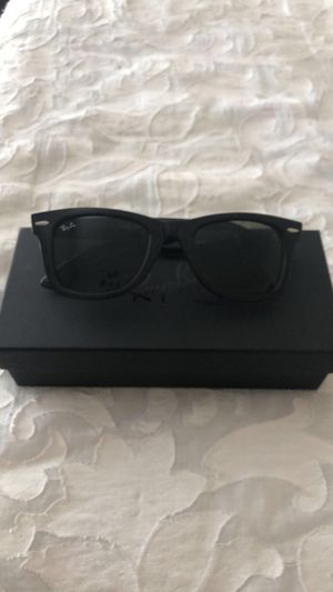 Ray Ban Men's Designer Shades for Sale in Mansfield, TX