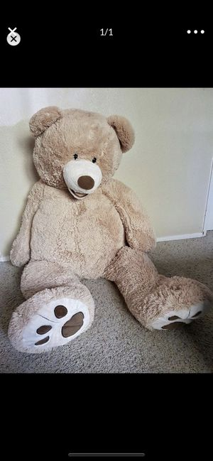 Teddy bear giant plush almost new for 10$ only for Sale in Bellevue, WA