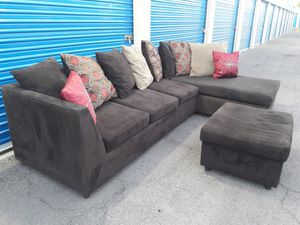 Comfortable sectional couch with ottoman dark brown, Like new Condition, for Sale in Phoenix, AZ