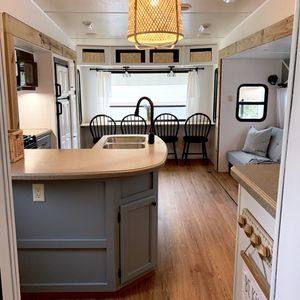 Fifth wheel camper for sale for Sale in Mount Dora, FL