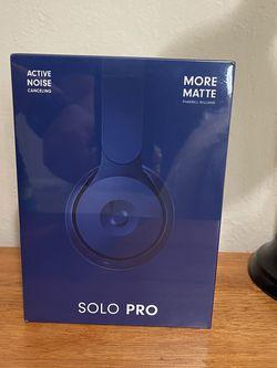 Beats Solo Pro - Blue Wireless Noise Canceling Headphones for Sale in Walnut Creek,  CA