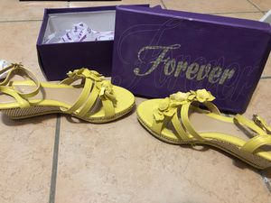 Forever yellow wedges Size 8 for Sale in Cutler Bay, FL