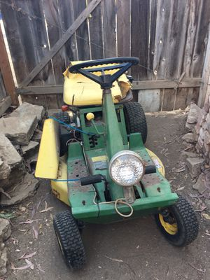JOHN DEERE R92 WITH A BRIGGS & STRATTON 12.0 HP for Sale in Fresno, CA