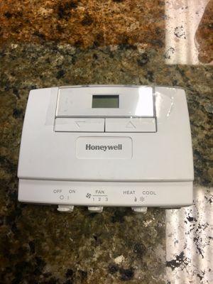 Honeywell Digital Fan Coil Thermostat T6570/T8570 T6575B1003 for Sale in Hallandale Beach, FL