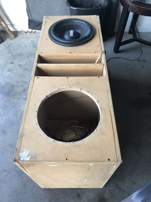 Stereo System speaker with box and battery for Sale in Murfreesboro, TN