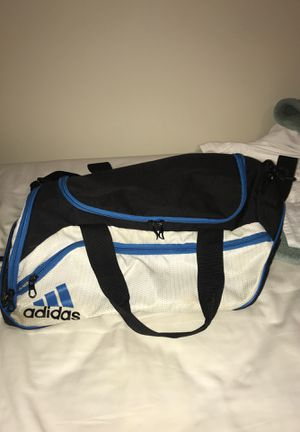 Adidas duffle bag for Sale in Mentor, OH