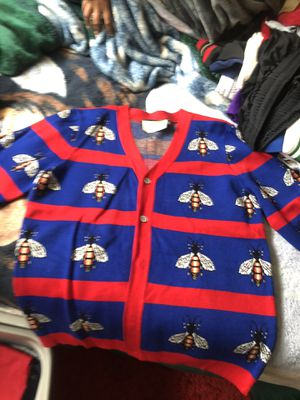 Gucci sweater (bee) for Sale in Seattle, WA