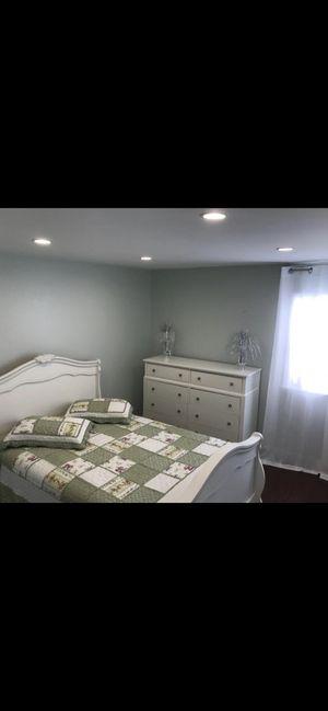 Bedroom queen for Sale in Boynton Beach, FL