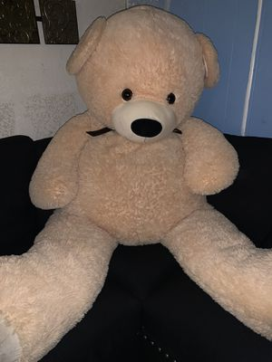Giant big soft teddy bear for sale!! for Sale in Colton, CA