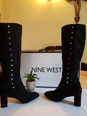 Black boots in suede nine west size 8 for Sale in El Paso, TX