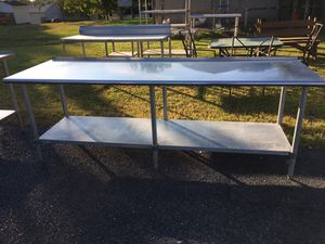 96 x 30 x 35 Stainless Steel Table with Metal Undershelf for Sale in Wellsville, PA