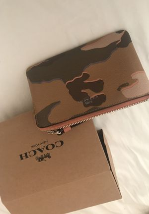 Coach camouflage change purse for Sale in Miami, FL