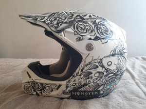 FOX V3 Moto Helmet Medium Limited E. for Sale in San Fernando, CA