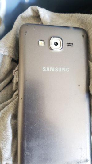 Samsung phone for Sale in Modesto, CA