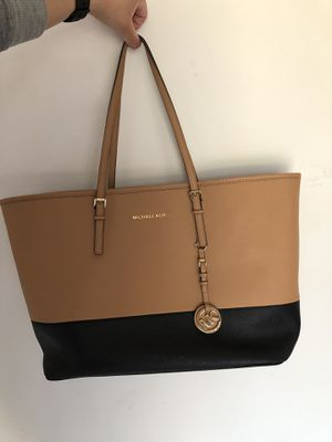 Michael Kors large leather tote for Sale in Alexandria, VA