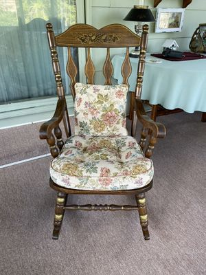 Rocking chair with matching cushion and pillow for Sale in Glenview, IL