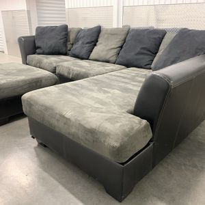 Sectional Couch w/ Ottoman for Sale in Portland, OR