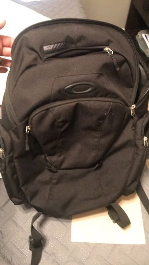 Oakley Backpack for Sale in St. Peters, MO