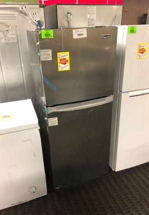 Brand New Magic Chef Top Freezer Refrigerator (Model:HMDR1000ST) 7W for Sale in Glendale, CA
