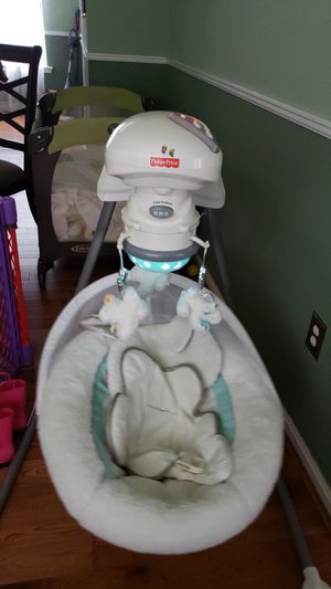Fisher Price Baby Swing $80 for Sale in Waldorf, MD