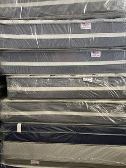 Queen Size Mattress for Sale in Los Angeles,  CA