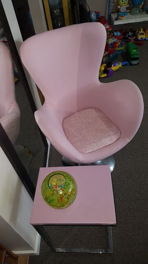 swivel pink chair for Sale in Renton, WA