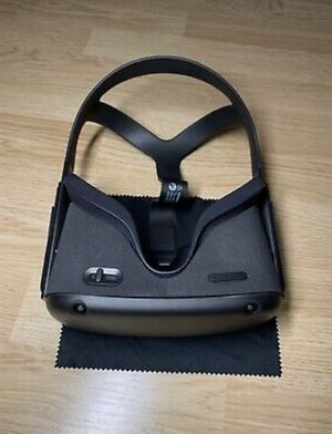 Brand Oculus Features Built-In Audio Model Oculus Quest Color Black Type Standalone VR Headset for Sale in Farmers Branch, TX