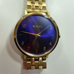 GOLD NIXON WATCH for Sale in Fresno, CA