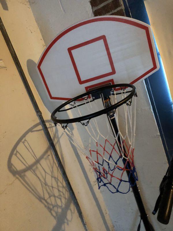 Light weight mobile basketball court