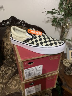 Vans slip-on Lite( checkerboard us men 9.5 us men 10 for Sale in Corona, CA
