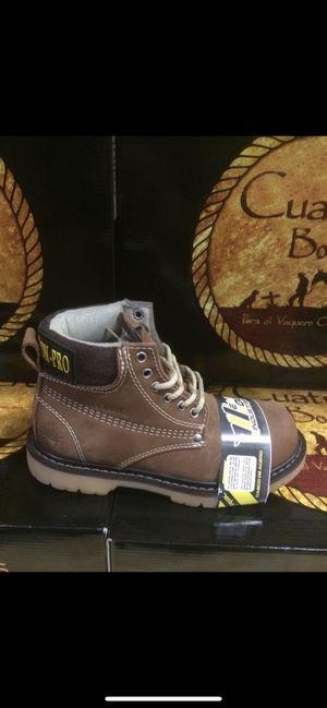 Botas de trabajo marca Cuatrero for Sale in Cicero, IL