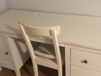 Ikea Desk And Chair for Sale in Cinnaminson,  NJ