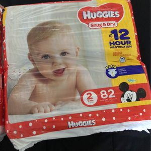 Huggies Snug & Dry Size 2 82 Count for Sale in Riverside, CA