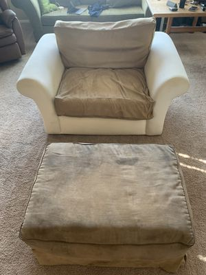 FREE Loveseat and Ottoman! for Sale in Lancaster, CA