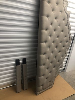 Headboard king 79 Inches long for Sale in Las Vegas, NV