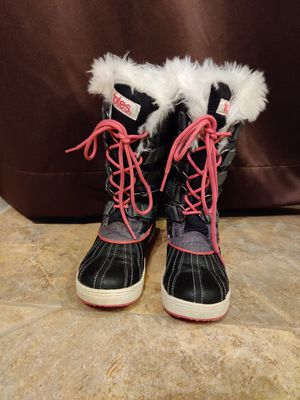 Girls snow boots for Sale in Dartmouth, MA